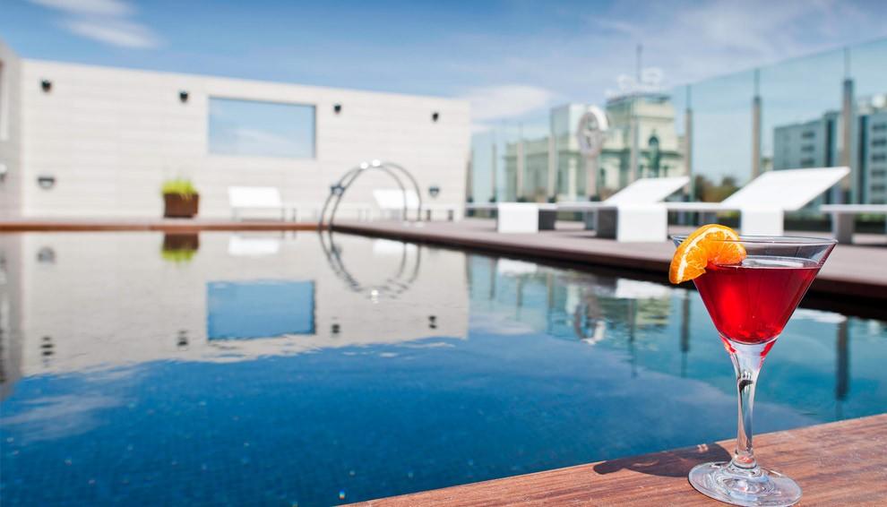Hotel con piscina en el centro de Zaragoza