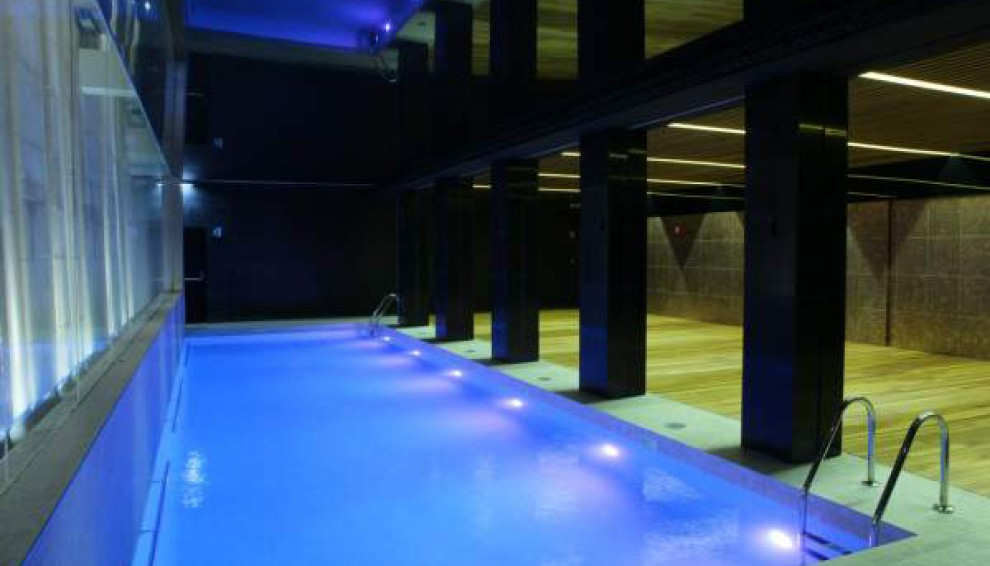 piscina hotel alfonso zaragoza